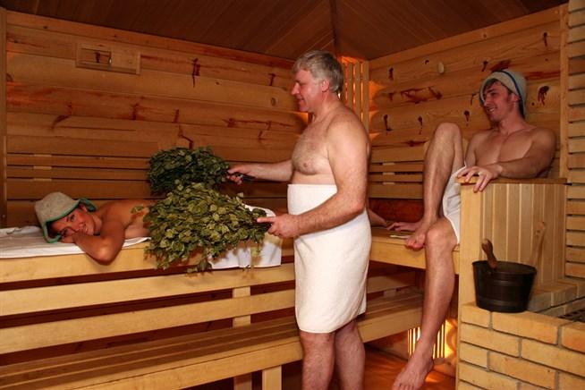 пожилые пары моются в бане онлайн меня еще