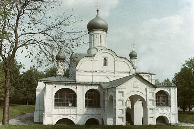 Зарядье (церковь Зачатия Анны)